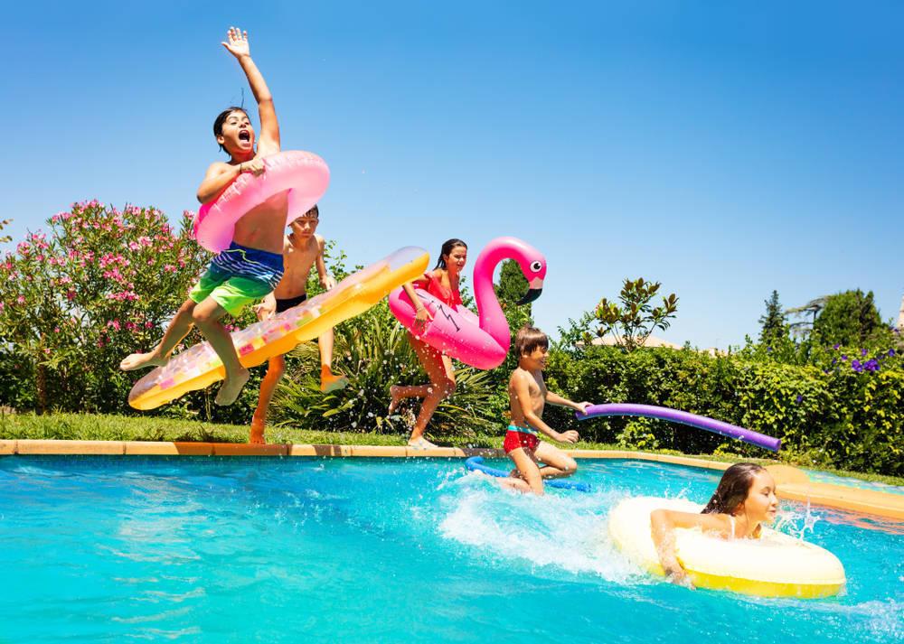 Lista de compras para una fiesta inolvidable en la piscina